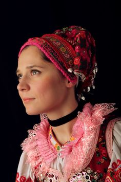 Slovak women's traditional outfit, Pohorelá, photo Julián Veverica