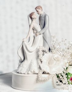 Festive & Party Supplies Search For Flights Free Shipping Resin Wedding Cake Toppers Cute 2016 Rose Bride Children Toys Groom Couple Figurine Decoration Party Ceremony