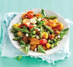 Fresh greens, salty goat's cheese and a packet of fresh gnocchi are all you need in this easiest-ever vegetarian dinner recipe. Healthy Pasta Bake, Healthy Food, Healthy Recipes, Healthy Eating, Healthy Anzac Biscuits, Pumpkin Gnocchi, Greek Meatballs, Edamame Beans, Sticky Chicken