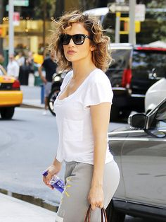 Star Tracks: Monday, August 17, 2015   CURLY GIRL   What's her secret? Jennifer Lopez gives us summer hair envy on Friday as she rocks her (frizz-free!) curls while out and about in N.Y.C.