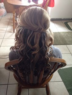 Fishtailed half up half down hair:)