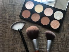 Fav face kit Cheap, but reeeaally good  Makeup Revolution Ultra Contour Palette  Drugstore Brushes