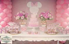 Minnie cake and candy bar