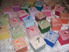 VENDIDAS - Peça em MDF - pintura decorativa <br> <br>OBS - Pedidos acima de 10 caixas - preço 10,00 cada unidade