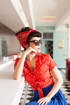Side portrait of stylish pin up woman with sunglasses at vintage cafe. by Audrey Shtecinjo - Stocksy United Side Portrait, Pin Up Style, My Style, Girl With Sunglasses, Vintage Cafe, Rockabilly Pin Up, Retro Hairstyles, Aesthetic Fashion, Smart Casual
