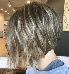 60 Layered Bob Styles: Modern Haircuts with Layers for Any Occasion - Texture-Boosting Layers and Subtle Highlights - Choppy Bob Hairstyles, Layered Bob Hairstyles, Bob Hairstyles For Fine Hair, Long Bob Haircuts, Modern Haircuts, Boy Haircuts, Hairstyle Men, Modern Hairstyles, Pixie Haircuts