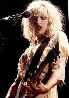Courtney Love Hole, Heavy Makeup, Celebrity Skin, Riot Grrrl, Female Guitarist, My Only Love, Miss World, My Vibe, Teenage Dream