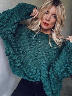Handknit bubble sweater with hurts - Hurts kbit pattern sweater Buble knit sweater Chunky arm knit sweater - Green sweater - Handmade sweate - Winter is Coming - Cardigan Fashion, Knit Fashion, Fashion Outfits, Women's Fashion, Hipster Fashion, Fashion Images, Fashion 2018, Street Fashion, Fashion Trends