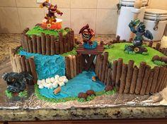 Skylanders cake!