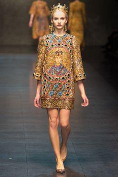 Dolce & Gabbana Fall 2013 Ready-to-Wear Fashion Show - Ginta Lapina
