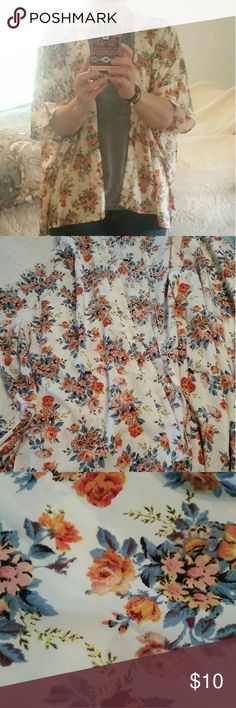 Floral Kimono Super cute kinoma!??? In great condition and perfect for spring! Can be worn with shorts,skinny's or a skirt. Tops Blouses
