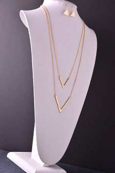Layered gold necklace from RoeBlvd.com.