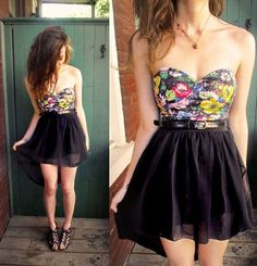 floral strapless dress<3
