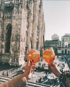 24 Hours in Milan, Italy - Mailand - Travel Milan Italy Travel, Italy Travel Tips, Travel Guide, Budget Travel, Places To Travel, Places To Visit, Voyage Europe, Eurotrip, Blog Voyage