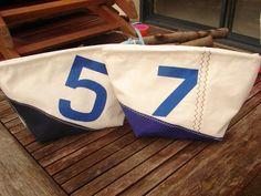 trousse de toilette en voile de bateau recyclée bleu vif ou marine : Trousses par au-fil-des-voiles