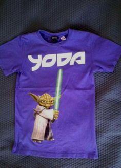 Kup mój przedmiot na #vintedpl http://www.vinted.pl/damska-odziez/koszulki-z-krotkim-rekawem-t-shirty/9821675-fioletowa-koszulka-z-nadrukiem-yoda