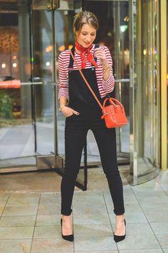 Outfit schwarze Skinny Latzhose , Pumps , Halstuch , Banana, rot , weiss , gestreift , shirt , Valentino , tasche 1