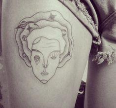 A tattoo da ganhadora do sorteio do flash day passado, que a gente só consegui fazer hoje! :))  #tattoo #tatuagem #tattooed #dotwork #blackwork #woman #universe #aracaju