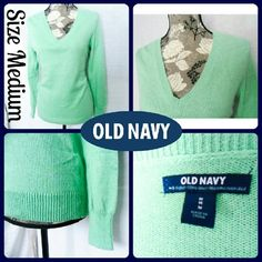 """Sz M Old Navy Softest V-neck Sweater EUC, no stains, snags or tears.....57% Cotton, 28% Acrylic, 15% Polyester 
