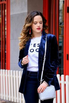 How to wear a velvet blazer. Styling tips from a fashion blogger.