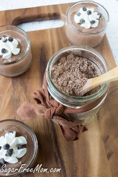 Instant Homemade Sugar-Free Chocolate Pudding Mix - This is a fun idea if you can tolerate dry milk powder. An easy, sugar-free pudding mix! Ditch and chemicals and try this. Sugar Free Desserts, Sugar Free Recipes, Low Carb Desserts, Sweets Recipes, Sugar Free Chocolate, Chocolate Pudding, Coconut Chocolate, Coconut Milk, Sugar Free Pudding