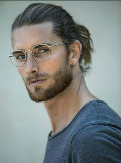 Man bun hairstyles, hairstyles with glasses, beard styles for men Beard Styles For Men, Hair And Beard Styles, Mens Long Hair Styles, Man Bun Styles, Stylish Beards, Hipster Noir, Handsome Men Quotes, Handsome Man, Best Beard Oil