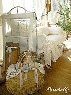Daybed (from Pureshabby), I'd have this in my cozy little guestroom