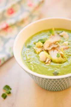 Pea soup with fish fillet