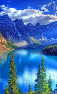free screensaver wallpapers for moraine lake Beautiful Nature Pictures, Beautiful Nature Wallpaper, Amazing Nature, Nature Photos, Pretty Pictures, Beautiful Landscapes, Beautiful Beautiful, Landscape Photography, Nature Photography