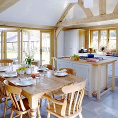 Dreaming of an open-plan kitchen? Stretch your kitchen space by going for an open-plan kitchen diner scheme that is great for family kitchens Small Country Kitchens, Country Kitchen Tables, Country Kitchen Designs, Kitchen Dining, Kitchen Decor, Country Homes, Space Kitchen, Design Kitchen, Dining Room