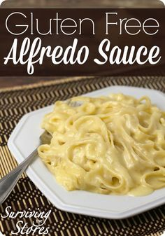 This simple gluten free alfredo sauce is fast and tastes so much better than store bought! This simple gluten free alfredo sauce is fast and tastes so much better than store bought! Sauce Sans Gluten, Gluten Free Alfredo Sauce, Gluten Free Sauces, Gluten Free Recipes For Dinner, Foods With Gluten, Gluten Free Cooking, Gluten Free Desserts, Dairy Free Recipes, Recipe Alfredo