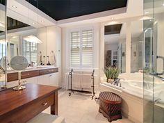 Appartement / Condo - Via Capitale Condo, Table, Furniture, Home Decor, Real Estate, Bath, Decoration Home, Room Decor, Tables
