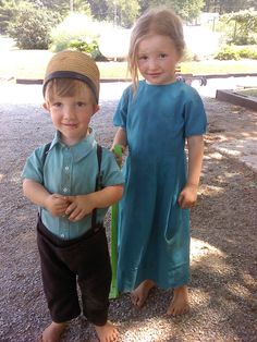 July 4, 2012 - Kirkwood, PA - Sweet little Amish children.........just lost their mommy a couple weeks before.