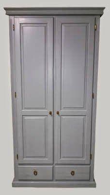 Keskiharmaa isännänvaatekaappi, solid wooden wardrobe painted middle grey #solidwood