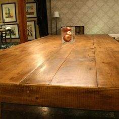 reclaimed wood table....swoon!