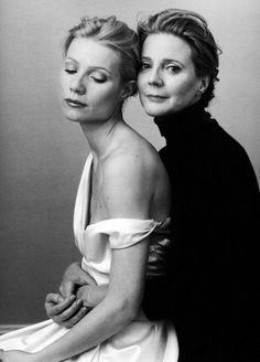 black and white picture of Gwyneth Paltrow and her mom | Gwyneth Paltrow and her mother, Blythe Danner