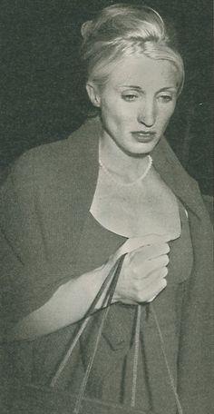 CBK October 10, 1996 – Reception at Caroline's apartment carolyn bessette kennedy