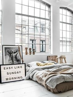 Chic+loft+bedroom+with+minimalistic+industrial+decor