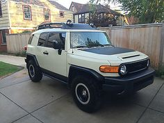 awesome 2010 Toyota FJ Cruiser - For Sale View more at http://shipperscentral.com/wp/product/2010-toyota-fj-cruiser-for-sale/