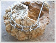 'Vintage Rhinestone Necklace' is going up for auction at 10pm Sun, Mar 17 with a starting bid of $5.