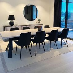 Dinning Table, Dining Chairs, Dining Room, Blue Home Decor, House Goals, Home Living Room, Interior Design, Furniture, Attention
