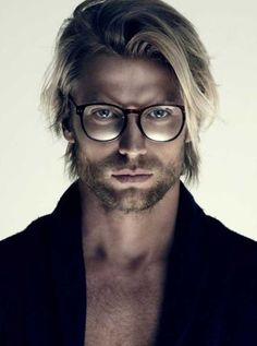 Blonde straight medium length hairstyle for men