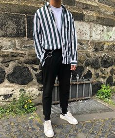 24 Ideas moda hombre hipster outfits street fashion - 24 Ideas moda hombre hipster outfits street fashion Source by - Korean Fashion Men, Stylish Mens Fashion, 90s Fashion, Fitness Fashion, Fashion Outfits, Street Fashion Men, Retro Fashion Mens, Mens Fashion 2018, Stylish Mens Clothing