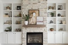 Built In Around Fireplace, Fireplace Built Ins, Home Fireplace, Fireplace Remodel, Fireplace Design, Fireplace With Stone, Fireplace In Living Room, Fireplace With Bookshelves, Fireplace In Kitchen