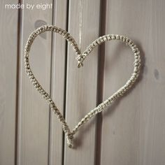 """""""crochet"""" heart. Needs to be translated, but you can see how to make it from the photos."""