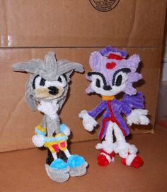 Another entry into my sonic collection. I haven't played the games Blaze and Silver were in but I know I like their character designs. Silver was a comf. Silver and Blaze Pipe Cleaner Art, Pipe Cleaner Animals, Pipe Cleaners, Pom Pom Crafts, Pixies, Crochet Clothes, Video Games, Crafts For Kids, Projects To Try