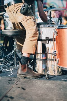 Let Blundstones Be Your Perfect Concert-Going Style Accessory - Rolling Stone Tartan Men, Blundstone Boots, Fashion Looks, Best Shoes For Men, Dress With Boots, Chelsea Boots, Men Dress, Mens Fashion, Men's Chinos