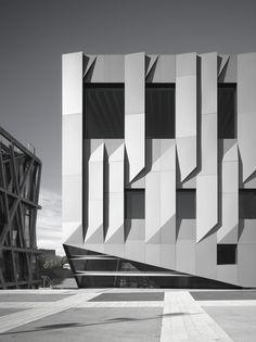 "dromik: "" Kengo Kuma and Associates, Conservatoire Darius Milhaud, Aix-en-Provence. Photo Roland Halbe """