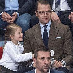 Daniel and Estelle yesterday #prinsdaniel #princedaniel #daniel #princessestelle #prinsessanestelle #Estelle #littleprincess #lillaprinsessan #swedishprincess #svenskprinsessa #cute #söt #royalchildren #farochdotter #farheranddaughter #stockholm #hovet #swedishroyalfamily #swedishroyals
