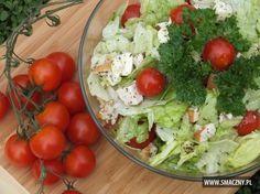 Lekka i chrupiąca sałatka idealna na każdą okazję: http://www.smaczny.pl/przepis,salatka_z_salaty_lodowej_wedzonego_kurczaka_i_sera_mozzarella Polecamy ją właśnie na niedzielne śniadanie, obiad lub kolację - wybór należy do Was... #przepisy #sałatki #chrupiącasałatka #sałatkazkurczakiem#sałatalodowa #kurczak #sermozzarella #lekkasałatka #zdrowie #odchudzanie #lato #warzywa